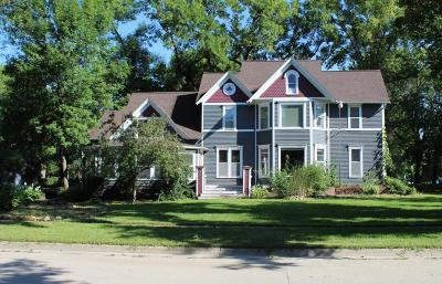 Spirit Lake Single Family Home For Sale: 1112 Hill Avenue