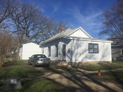 Single Family Home Sold: 927 N 5th Street