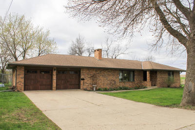 Lake Park Single Family Home For Sale: 413 2nd Street W