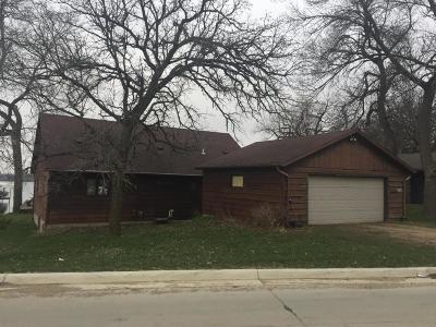 Orleans IA Single Family Home Sold: $300,000