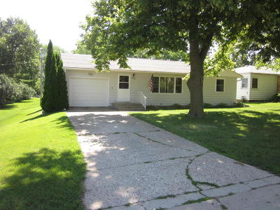 Lake Park Single Family Home For Sale: 307 S 2nd Street