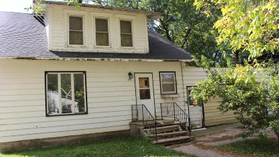 Single Family Home For Sale: 305 Meadow Street