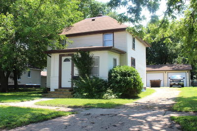 Single Family Home Sold: 208 E 1st Street