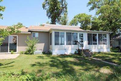 Spirit Lake Single Family Home For Sale: 24821 McClelland Drive