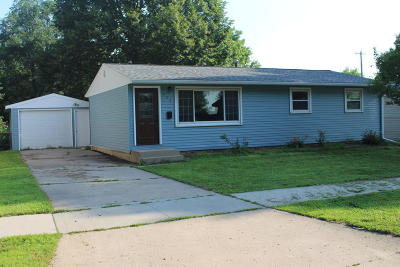 Single Family Home Sold: 923 E 14th Street