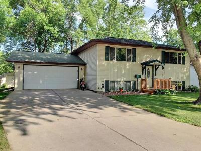 Spirit Lake Single Family Home Active Contingent: 2400 Keokuk Avenue
