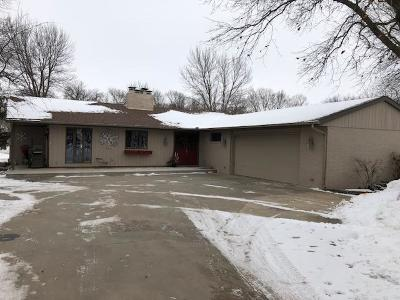 Single Family Home For Sale: 111 Brookridge