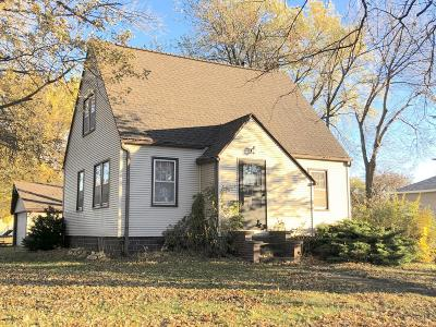 Lake Park Single Family Home For Sale: 302 E 4th Street