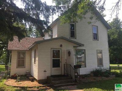 Single Family Home Sold: 207 N Sherman Street