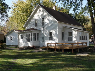Fostoria Single Family Home For Sale: 18 2nd Avenue NW