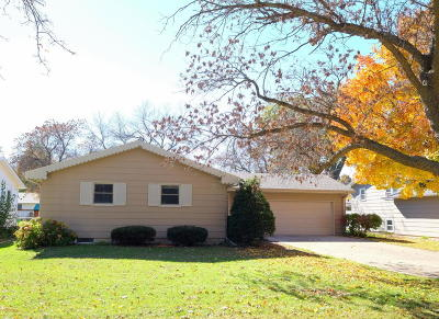 Spencer IA Single Family Home Active Contingent: $179,900