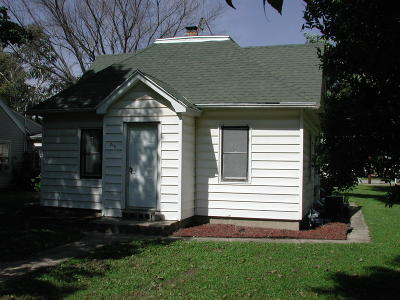 Fostoria Single Family Home For Sale: 215 1st Street SW