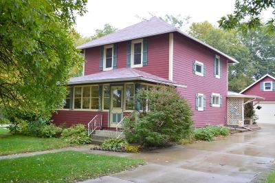 Spirit Lake Single Family Home For Sale: 2001 Hill Avenue