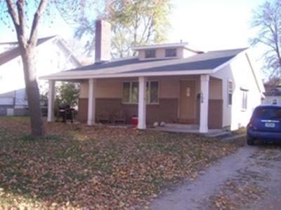 Emmetsburg Single Family Home Active Contingent: 1706 Main Street