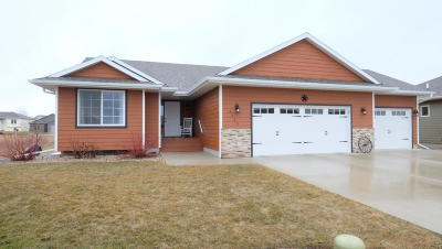 Spirit Lake Single Family Home For Sale: 3705 Keystone Circle
