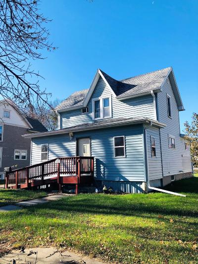 Emmetsburg Single Family Home For Sale: 905 Lawler Street