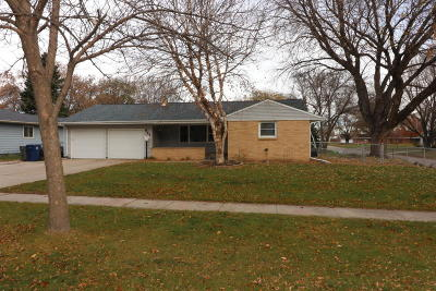 Spencer IA Single Family Home Active Contingent: $197,000