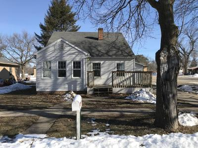 Armstrong IA Single Family Home For Sale: $73,500