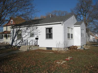 Emmetsburg Single Family Home For Sale: 1701 Main Street