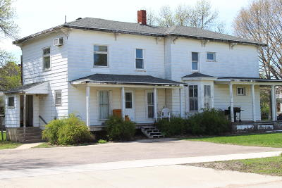 Spencer IA Multi Family Home Active Contingent: $59,900