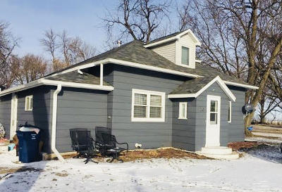 Single Family Home For Sale: 205 Park Avenue E