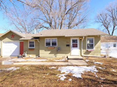 Spencer Single Family Home For Sale: 516 8th Avenue W