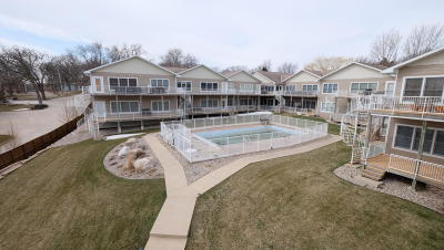 Spirit Lake Condo/Townhouse Active Contingent: 103 21st Street #2