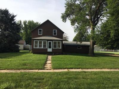 Lake Park Single Family Home For Sale: 302 D Avenue E