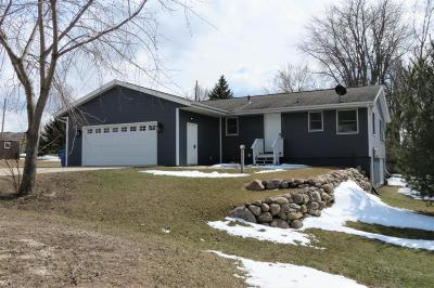 Spirit Lake Single Family Home Active Contingent: 25913 162nd Street