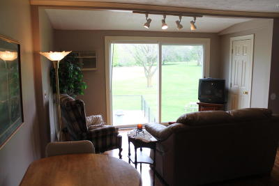 Okoboji Condo/Townhouse For Sale: 1700 Country Club Drive #206