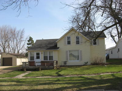 Spirit Lake IA Single Family Home Active Contingent: $89,500