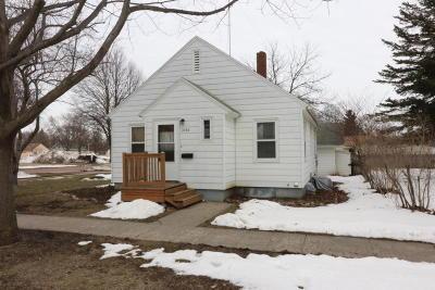 Spencer Single Family Home For Sale: 1020 2nd Avenue E