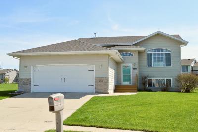 Spirit Lake Single Family Home For Sale: 3713 Jackson Avenue
