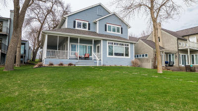 Okoboji IA Single Family Home Active Contingent: $1,299,000