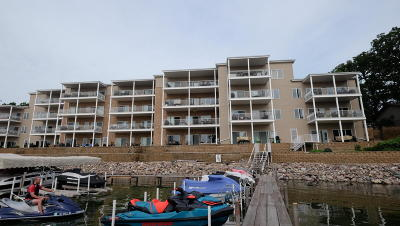Arnolds Park Condo/Townhouse For Sale: 304 Lake Drive #A3