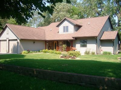 Emmetsburg Single Family Home For Sale: 33985 N Huron Road