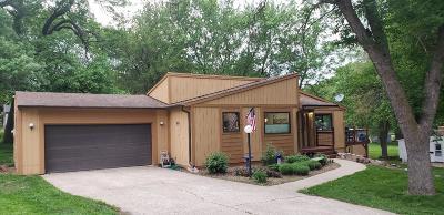 Spirit Lake Single Family Home Active Contingent: 1310 Erie Avenue
