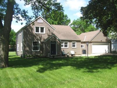 Lake Park Single Family Home Active Contingent: 313 E 3rd Street