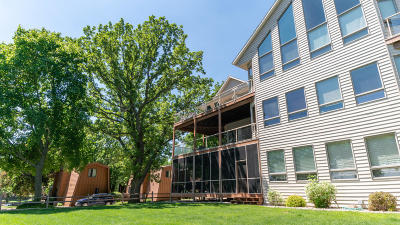 Spirit Lake Condo/Townhouse Active Contingent: 20798 170th Street #4D
