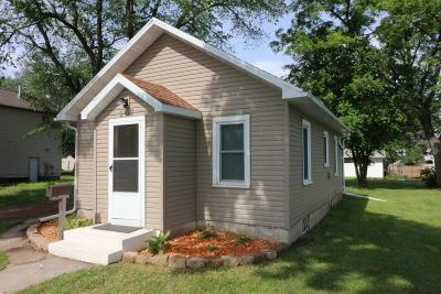 Spencer Single Family Home For Sale: 207 6th Avenue E