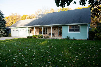 Estherville Single Family Home For Sale: 12 Orchard Lane