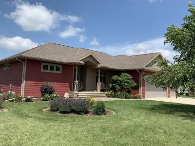 Emmetsburg Single Family Home For Sale: 34781 Island View Lane