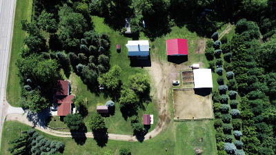 Spirit Lake Single Family Home For Sale: 2748 Ia-9