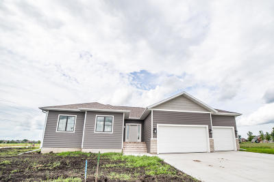 Spirit Lake Single Family Home For Sale: 1612 38th Street