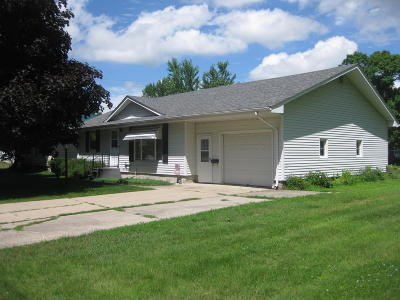 Emmetsburg Single Family Home Active Contingent: 104 State Street