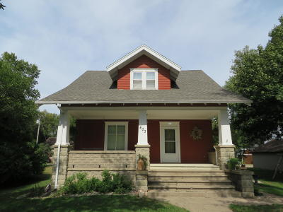Everly Single Family Home For Sale: 403 E 2nd Street