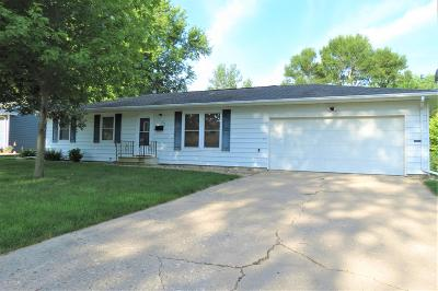 Spirit Lake Single Family Home Active Contingent: 706 Jackson Avenue