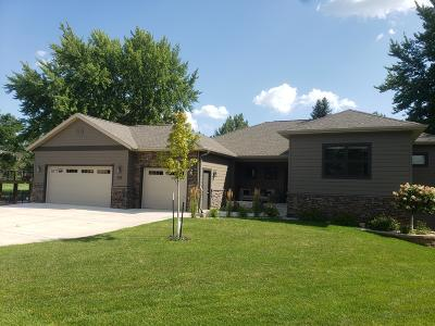 Arnolds Park Single Family Home For Sale: 935 Emerald Pines Drive