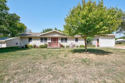 Spirit Lake Single Family Home For Sale: 25810 Babs Street