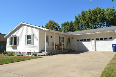 Spirit Lake Single Family Home For Sale: 960 27th Street